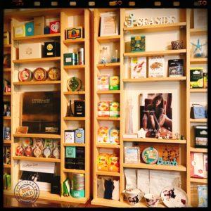 管理人の紅茶棚